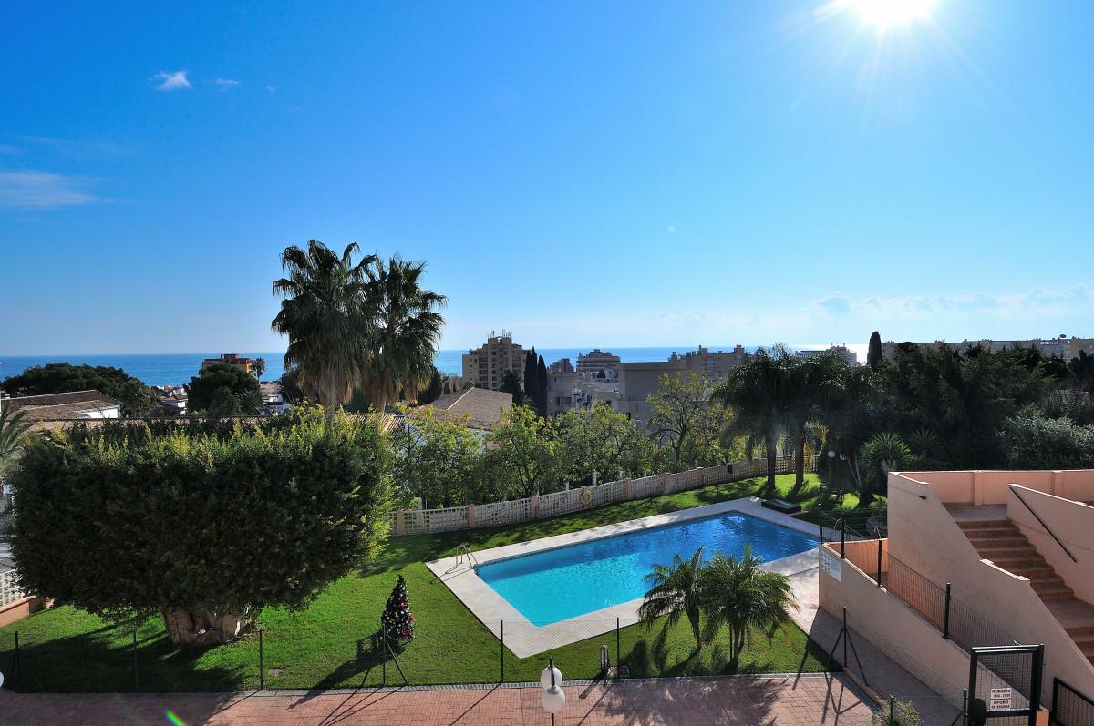 Middle Floor Apartment, Torremolinos, Costa del Sol. 2 Bedrooms, 2 Bathrooms, Built 77 m², Terrace 2,Spain