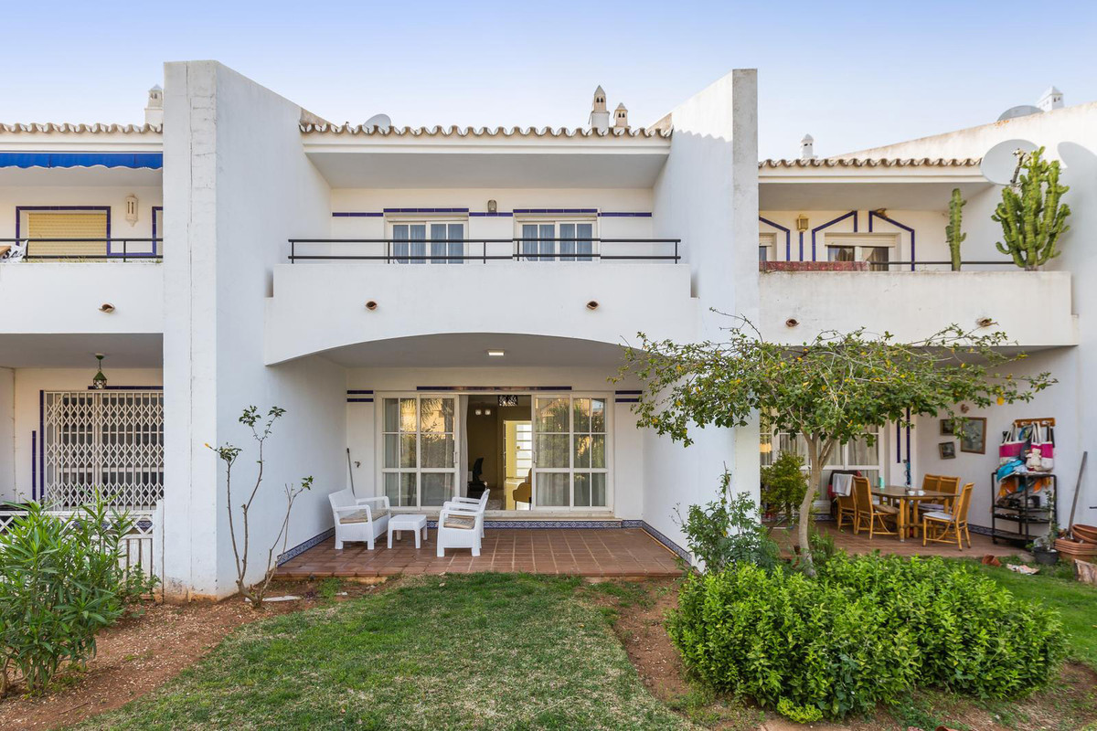 Reihenhaus Stadthaus zu verkaufen in Calahonda R3575812