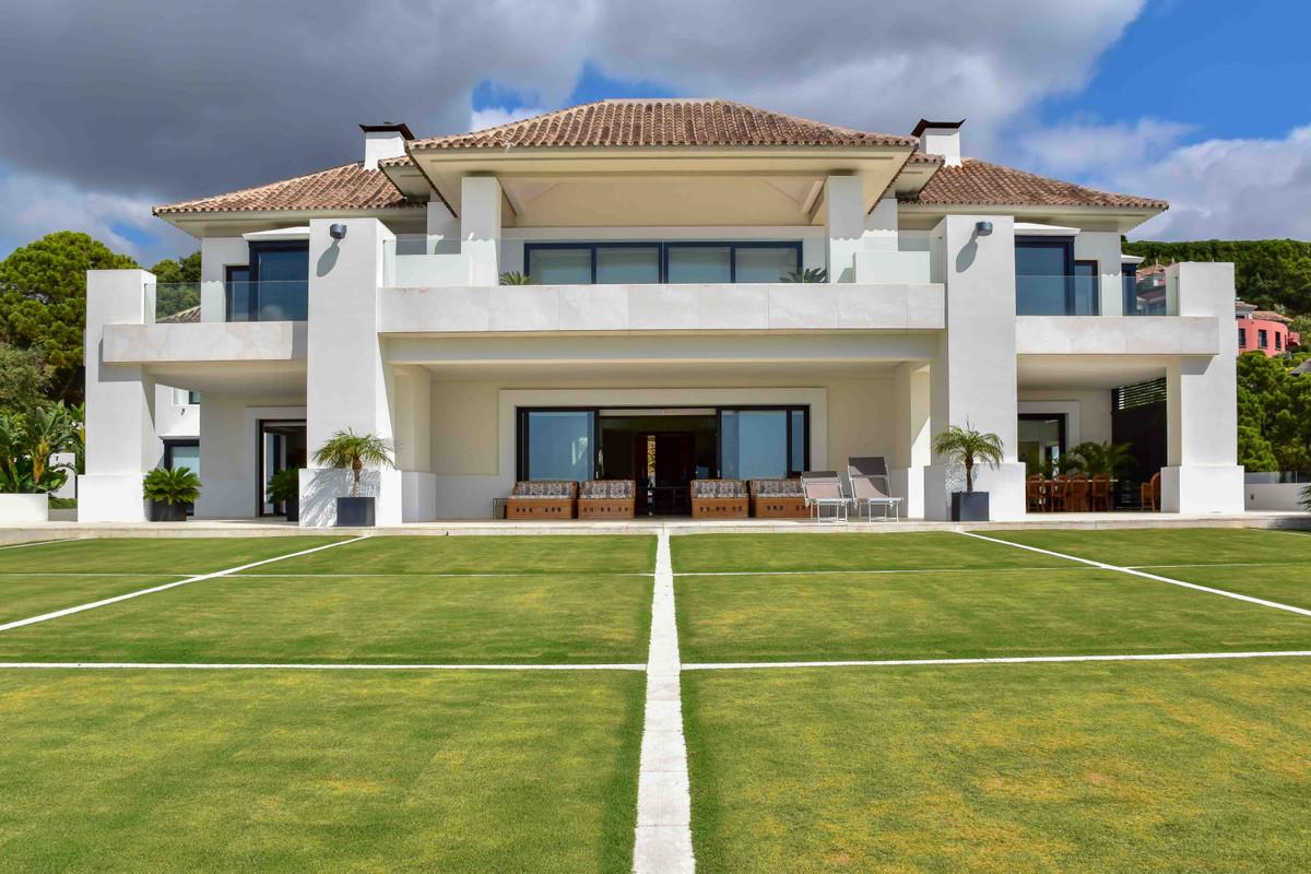 12 Bedrooms Villa For Sale - La Zagaleta