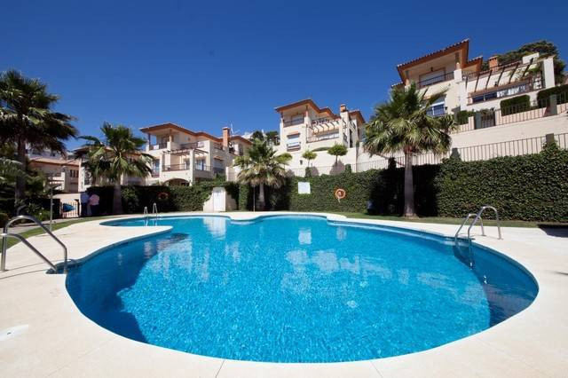 Magnific villa with 4 bedroom 3 bathroom family villa with private west facin garden situated in a s,Spain