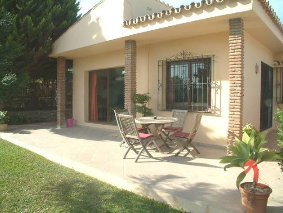 R2081795: Villa in Calahonda