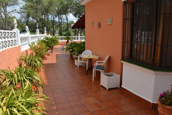Villa Till salu i Las Chapas R2722121