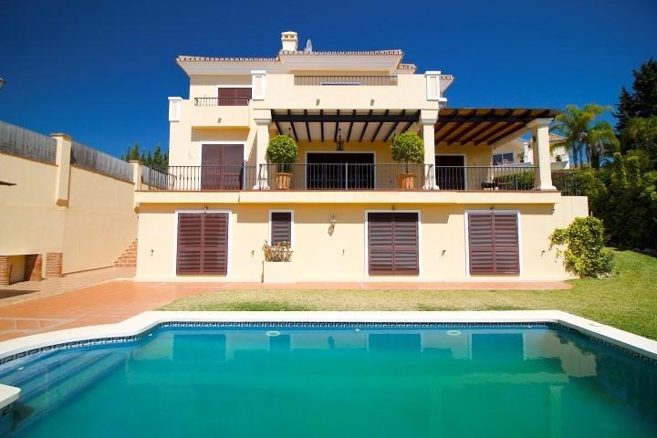 Detached Villa for sale in El Rosario R3022052