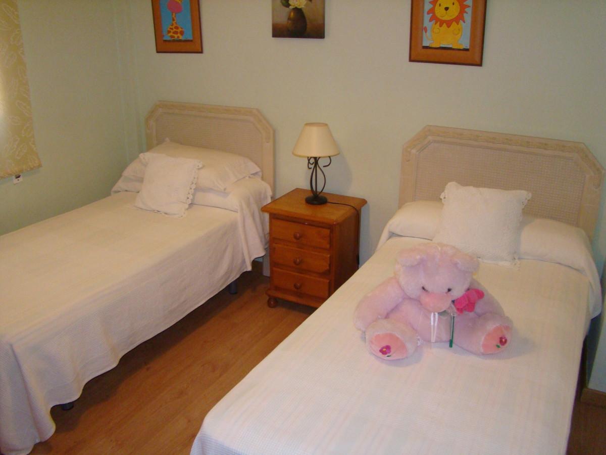 Villa con 3 Dormitorios en Venta Nueva Andalucía