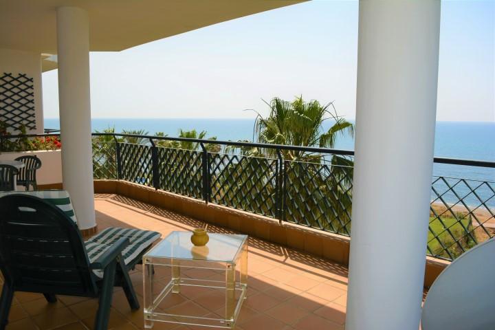Lägenhet på mellanplan i Calahonda R2896265