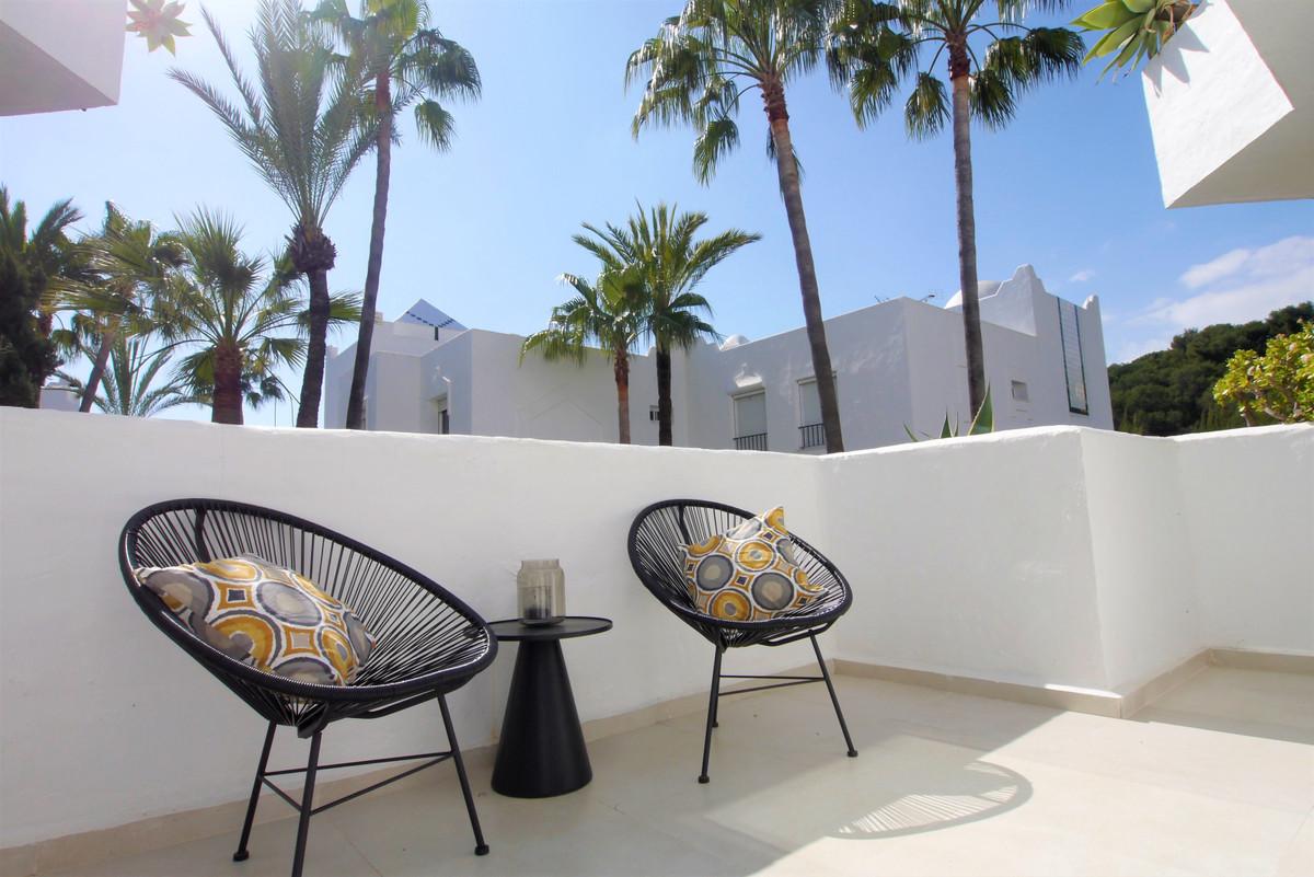 Apartamento Planta Media en venta en Marbella R3744889