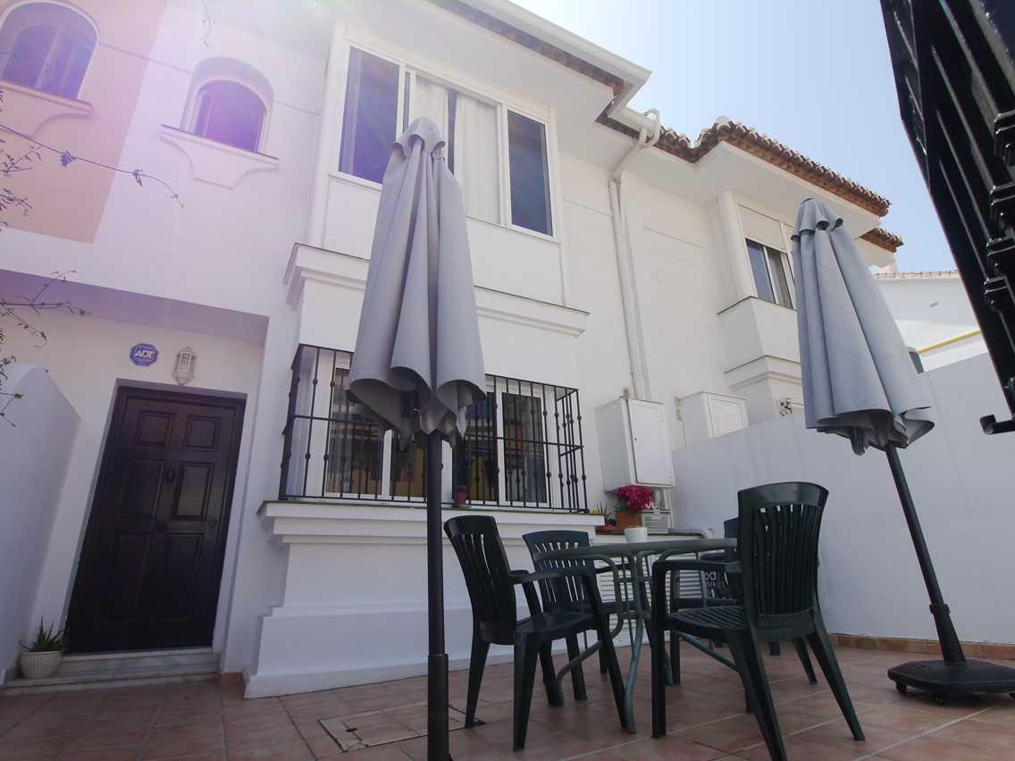 Villa 4 Dormitorios en Venta Las Lagunas
