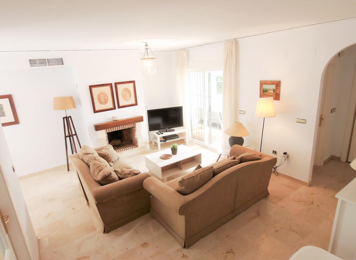 Villa 3 Dormitorios en Venta Costabella