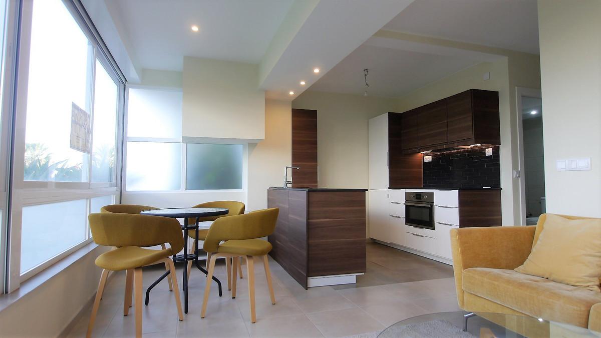 Appartement te koop in Costabella R3061207