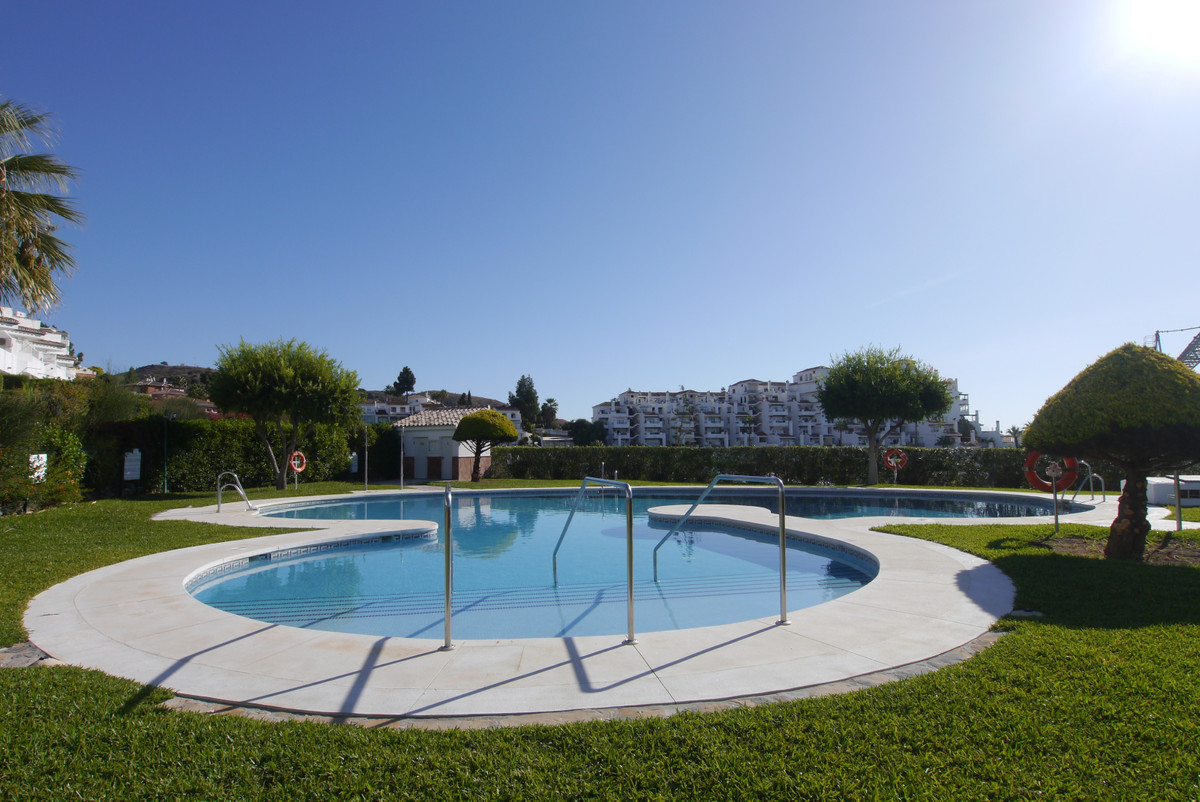 Villa  Semi Detached for sale   in Calahonda