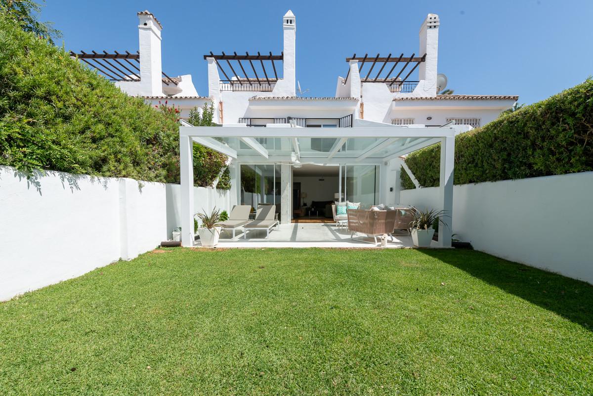 Reihenhaus Stadthaus zu verkaufen in Nueva Andalucía R3477454