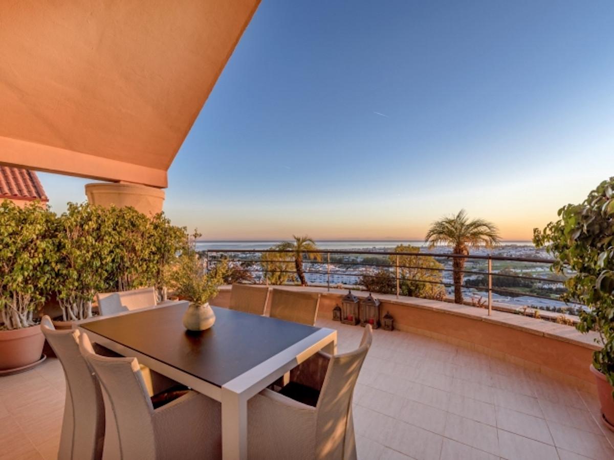 Penthouse in Nueva Andalucía R3436585