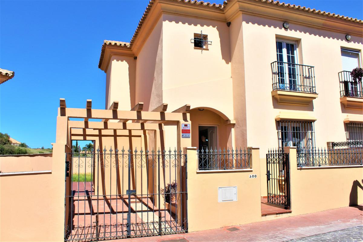 Townhouse - La Línea