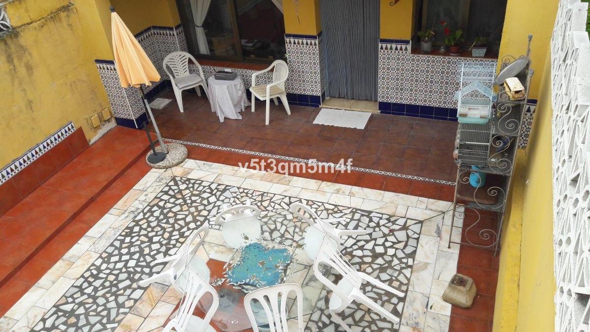 Unifamiliar 6 Dormitorios en Venta Nueva Andalucía