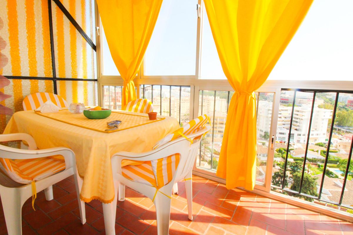 Middle Floor Apartment, Fuengirola, Costa del Sol. 3 Bedrooms, 2 Bathrooms, Built 107 m², Terrace 5 ,Spain