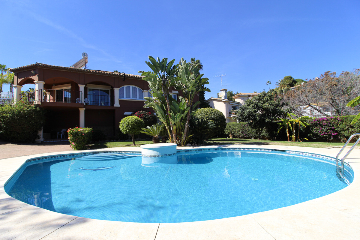 Villa for sale in Sierrezuela