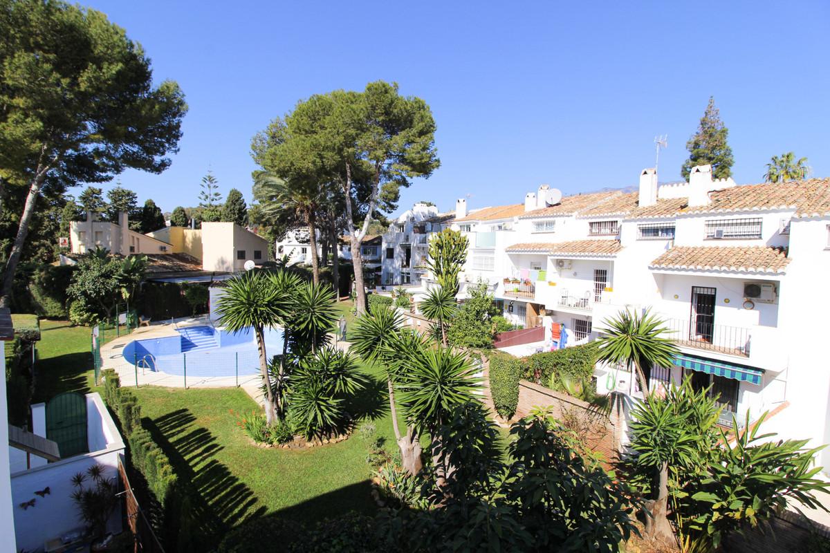 Middle Floor Apartment, El Coto, Costa del Sol. 2 Bedrooms, 1 Bathroom, Built 72 m², Terrace 6 m².  ,Spain