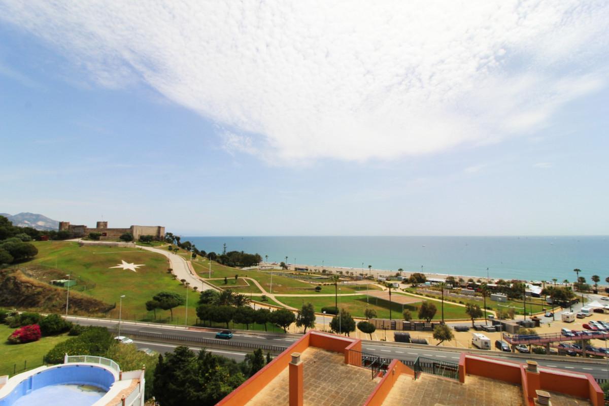 Middle Floor Apartment, Fuengirola, Costa del Sol. 2 Bedrooms, 1 Bathroom, Built 100 m², Terrace 20 ,Spain