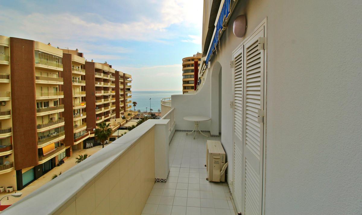Lägenhet på mellanplan i Fuengirola R3110785