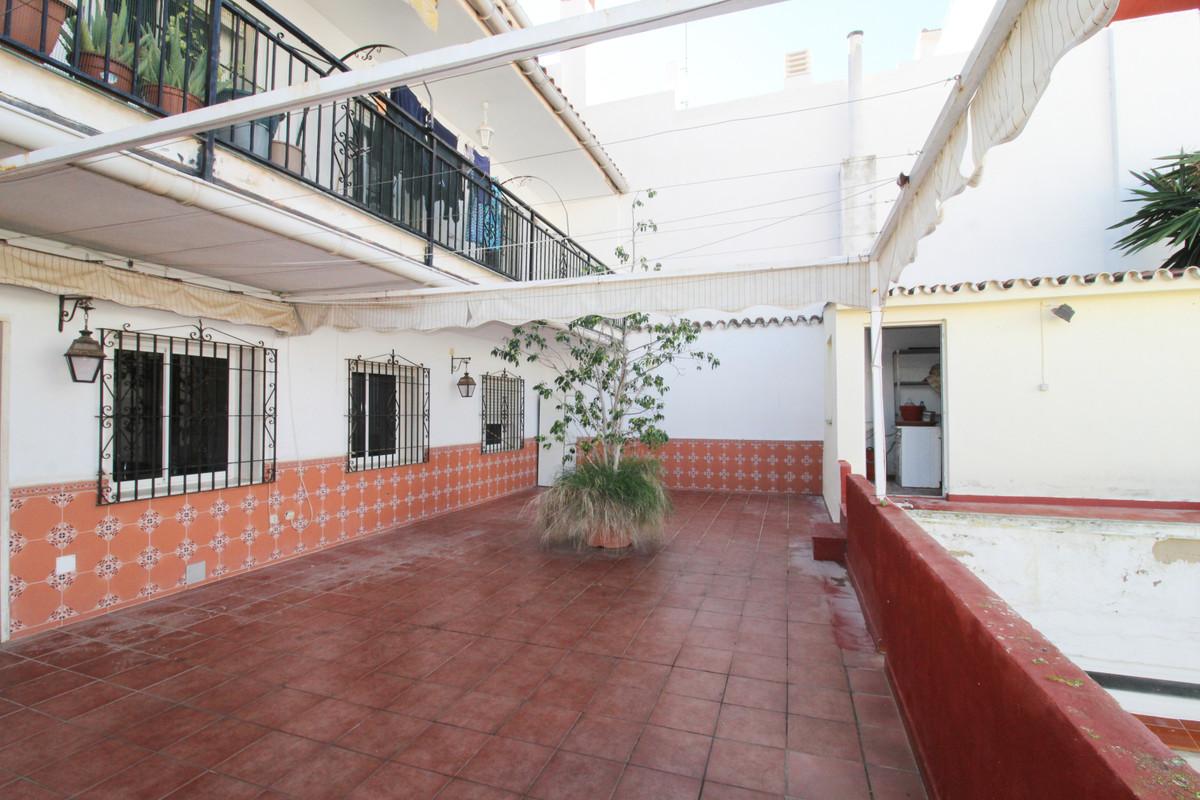 4 bedroom apartment for sale fuengirola