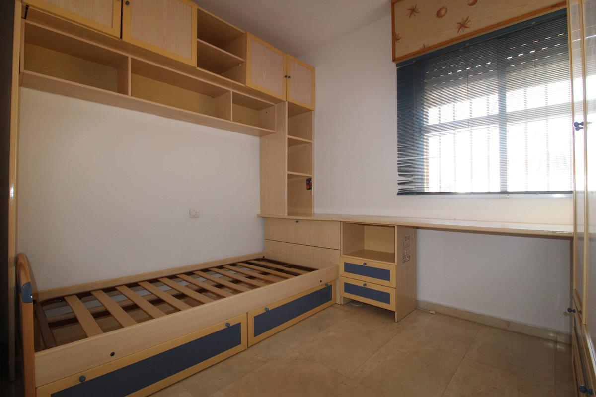 Unifamiliar con 4 Dormitorios en Venta Mijas