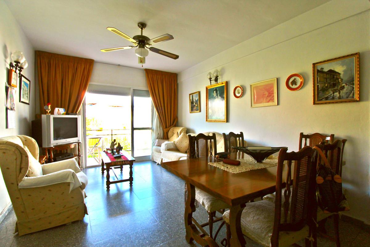 Middle Floor Apartment, Fuengirola, Costa del Sol. 3 Bedrooms, 1 Bathroom, Built 90 m2, Terrace 8 m2,Spain