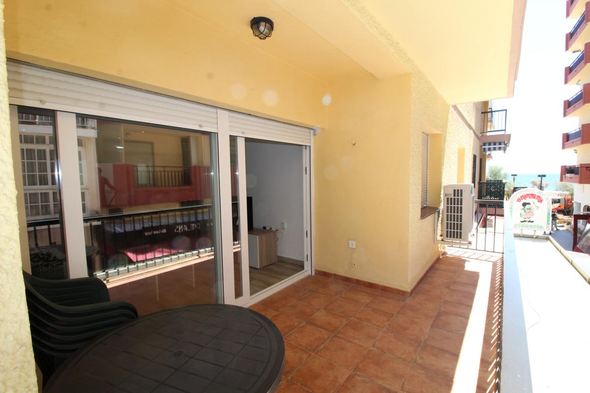 Middle Floor Apartment, Fuengirola, Costa del Sol. 3 Bedrooms, 2 Bathrooms, Built 110 m2;, Terrace 1,Spain