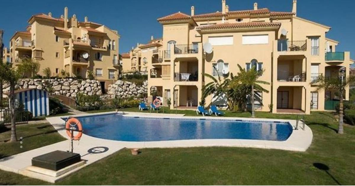 Riviera Penthouse. Beautiful Penthouse in Riviera, 3 bedrooms, 2 bathrooms, 3 terraces, 4 swiming po,Spain