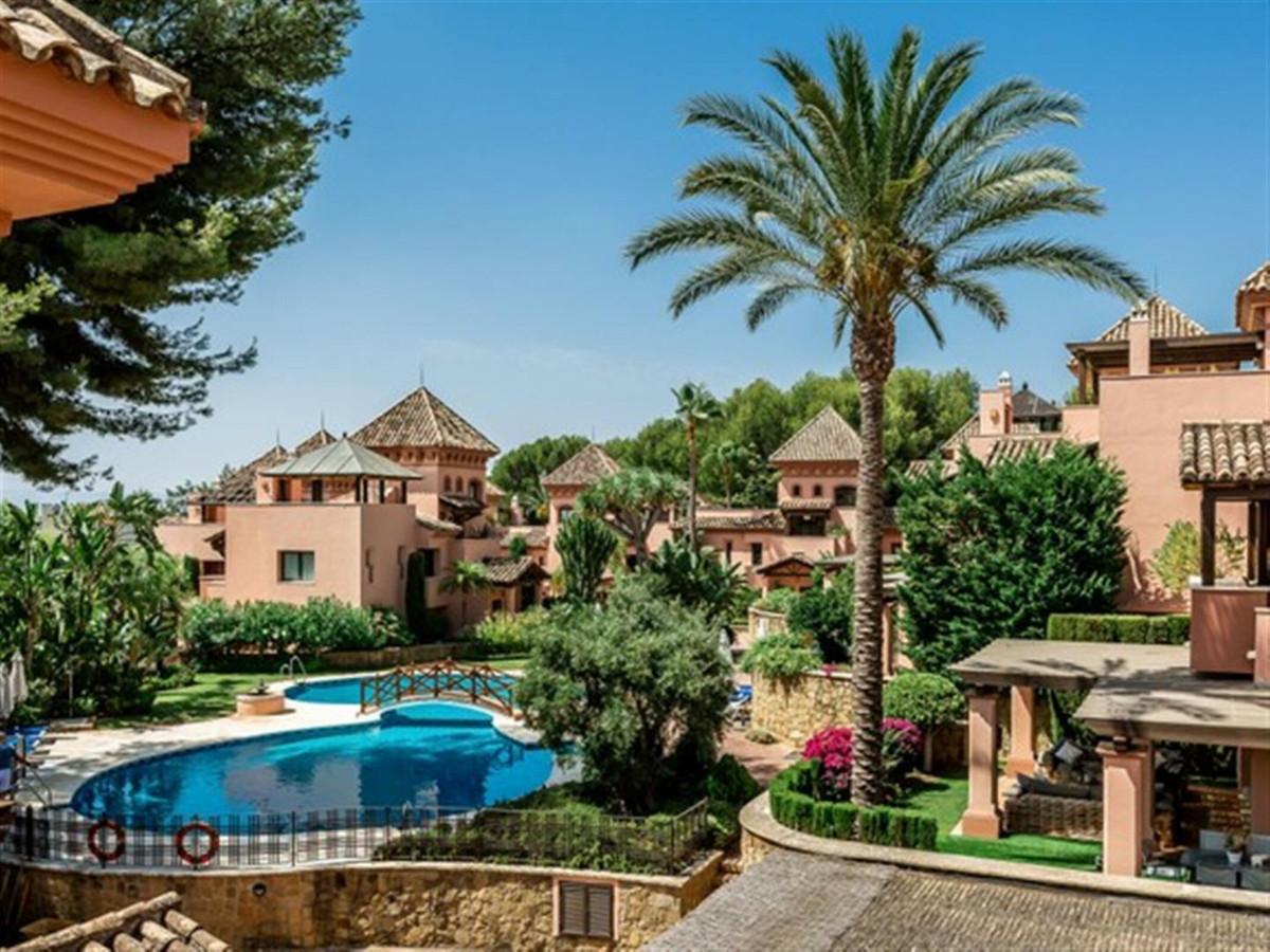 Semi-Detached House, Sierra Blanca, Costa del Sol. 4 Bedrooms, 4 Bathrooms, Built 454 m², Terrace 12,Spain