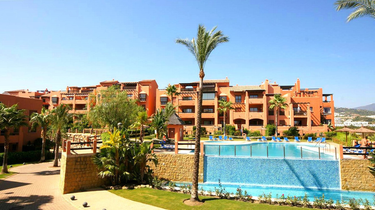 Penthouse, Benahavis, Costa del Sol. 3 Bedrooms, 2 Bathrooms, Built 150 m², Terrace 150 m².  SettingSpain