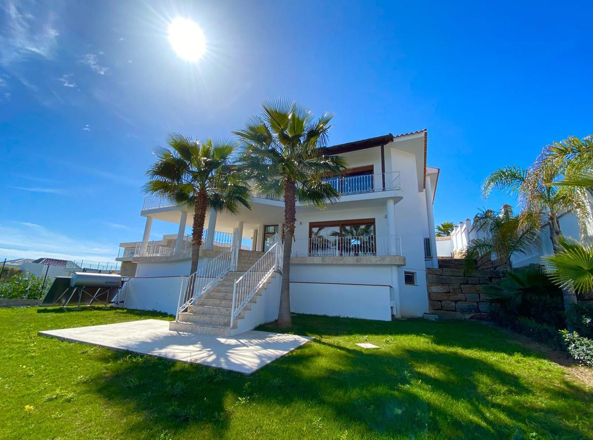 Detached Villa, Los Flamingos, Costa del Sol. 5 Bedrooms, 5 Bathrooms, Built 600 m², Terrace 150 m²,,Spain