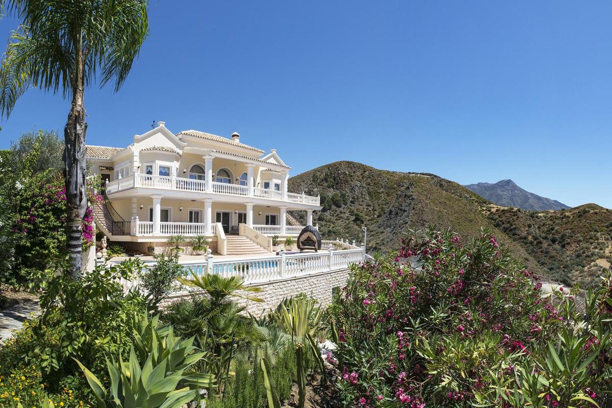 Villa - Chalet en La Quinta R2940149