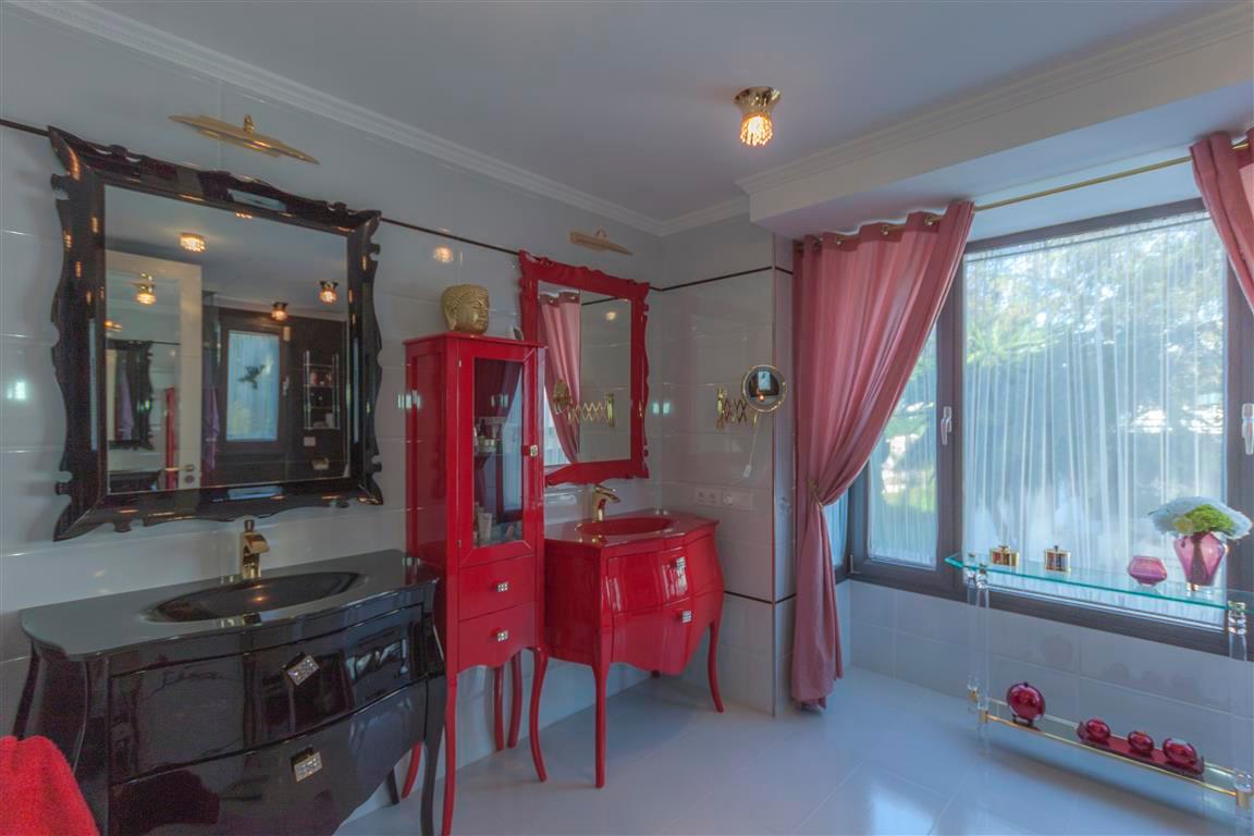 House en Marbella R2874281 10