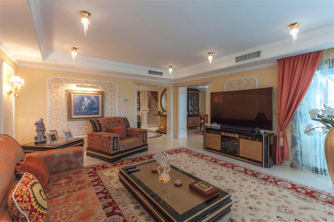 House en Marbella R2874281 4
