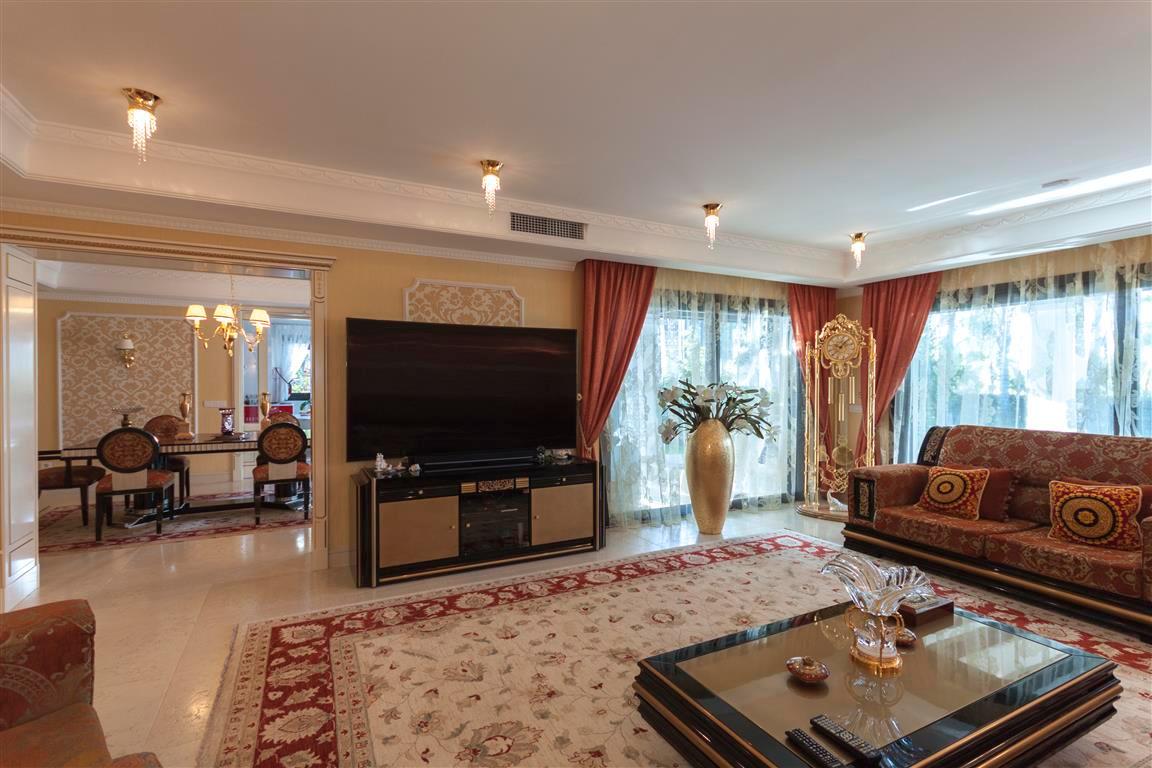 House en Marbella R2874281 5