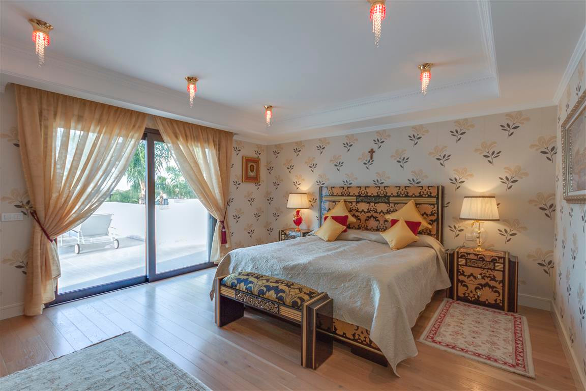 House in Marbella R2874281 9