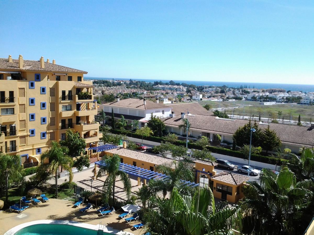 Middle Floor Apartment, San Pedro de Alcantara, Costa del Sol. 3 Bedrooms, 3 Bathrooms, Built 105 m²,Spain