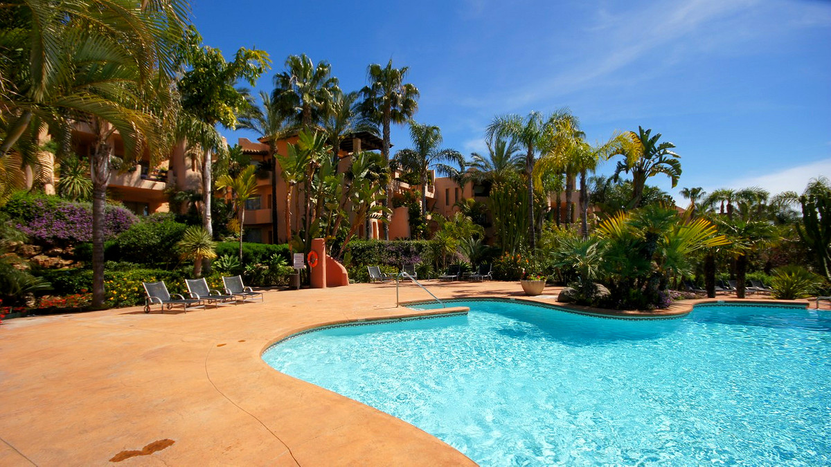 Ground Floor Apartment, Sierra Blanca, Costa del Sol. 3 Bedrooms, 3 Bathrooms, Built 180 m², Terrace,Spain