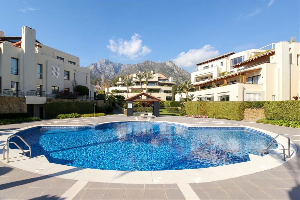 Detached Villa, Sierra Blanca, Costa del Sol. 3 Bedrooms, 4 Bathrooms, Built 350 m², Terrace 165 m²,,Spain