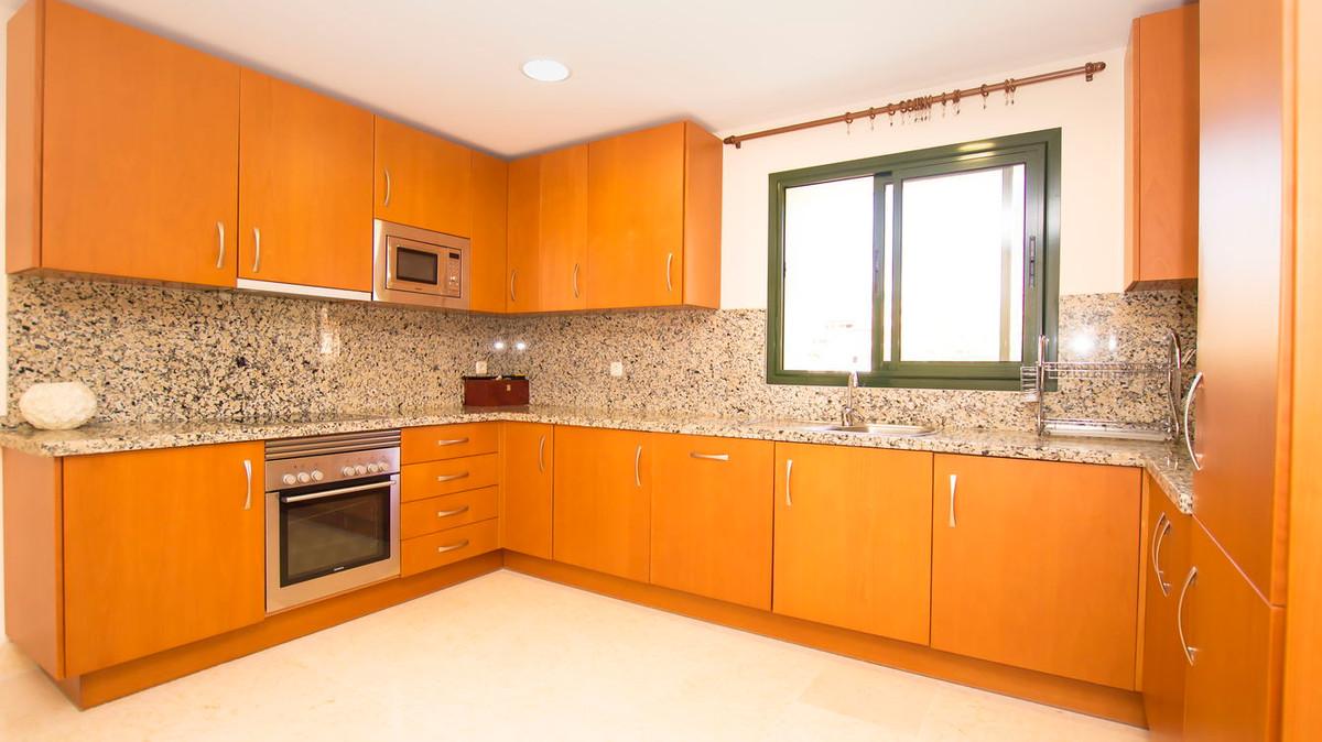 Lejlighed in Benahavís R2830568 14