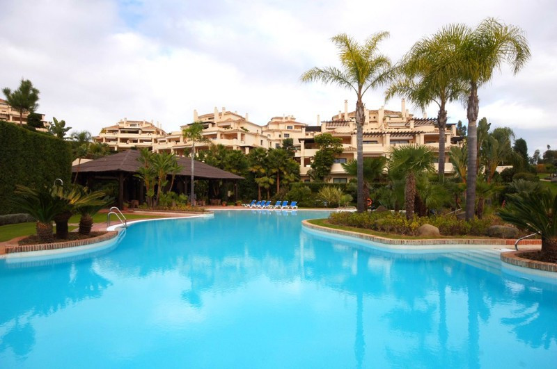 Middle Floor Apartment, Benahavis, Costa del Sol. Beautiful 3 bedrooms apartment fr sale in security,Spain
