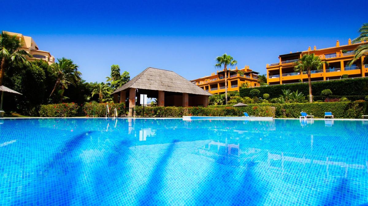 Ground Floor Apartment, Atalaya, Costa del Sol. 2 Bedrooms, 2 Bathrooms, Built 114 m², Terrace 30 m²,Spain
