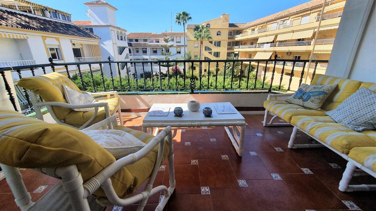 2 Bedroom Middle Floor Apartment For Sale La Cala de Mijas, Costa del Sol - HP3920881