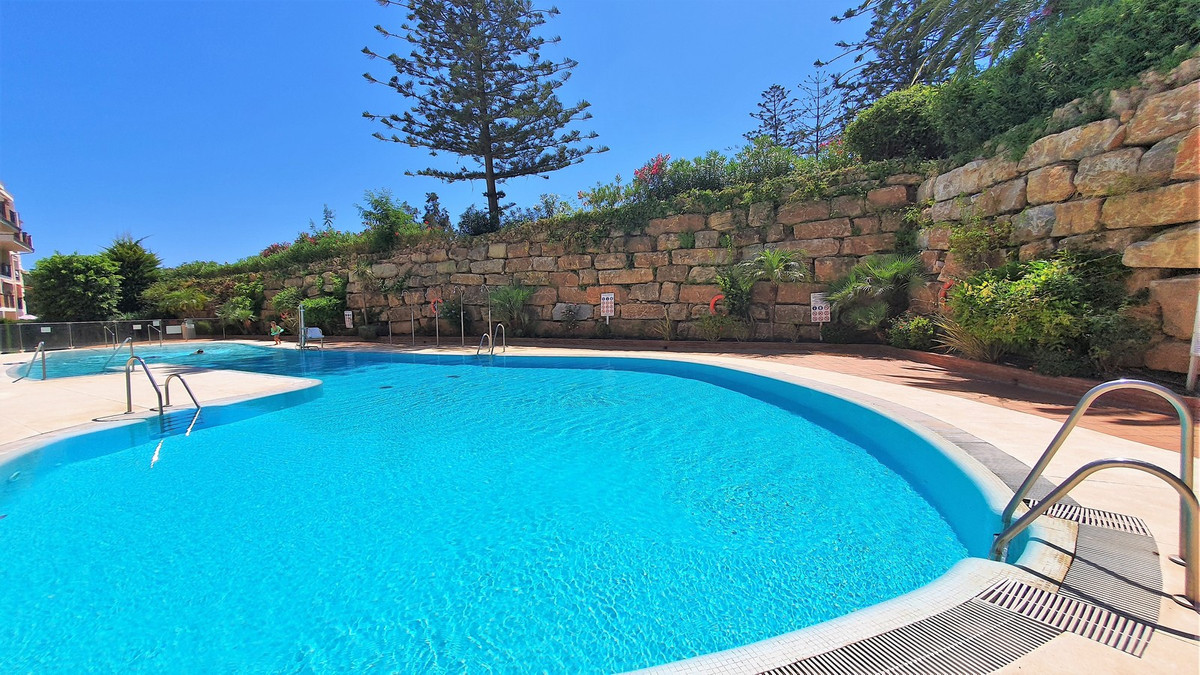 2 Bedroom Middle Floor Apartment For Sale Mijas Golf, Costa del Sol - HP3888982