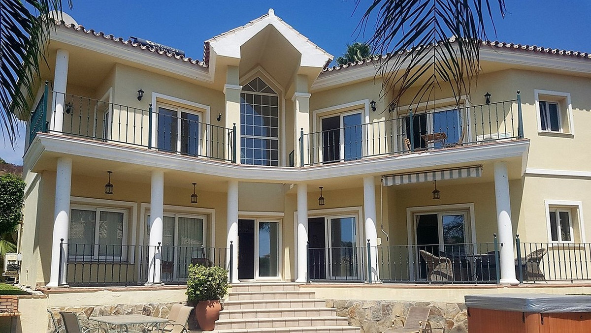 3 Bedroom Detached Villa For Sale Torrenueva, Costa del Sol - HP3482029