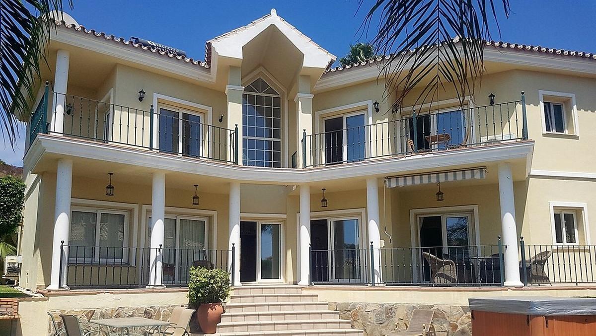 3 Bedroom Detached Villa For Sale La Cala de Mijas, Costa del Sol - HP3482029