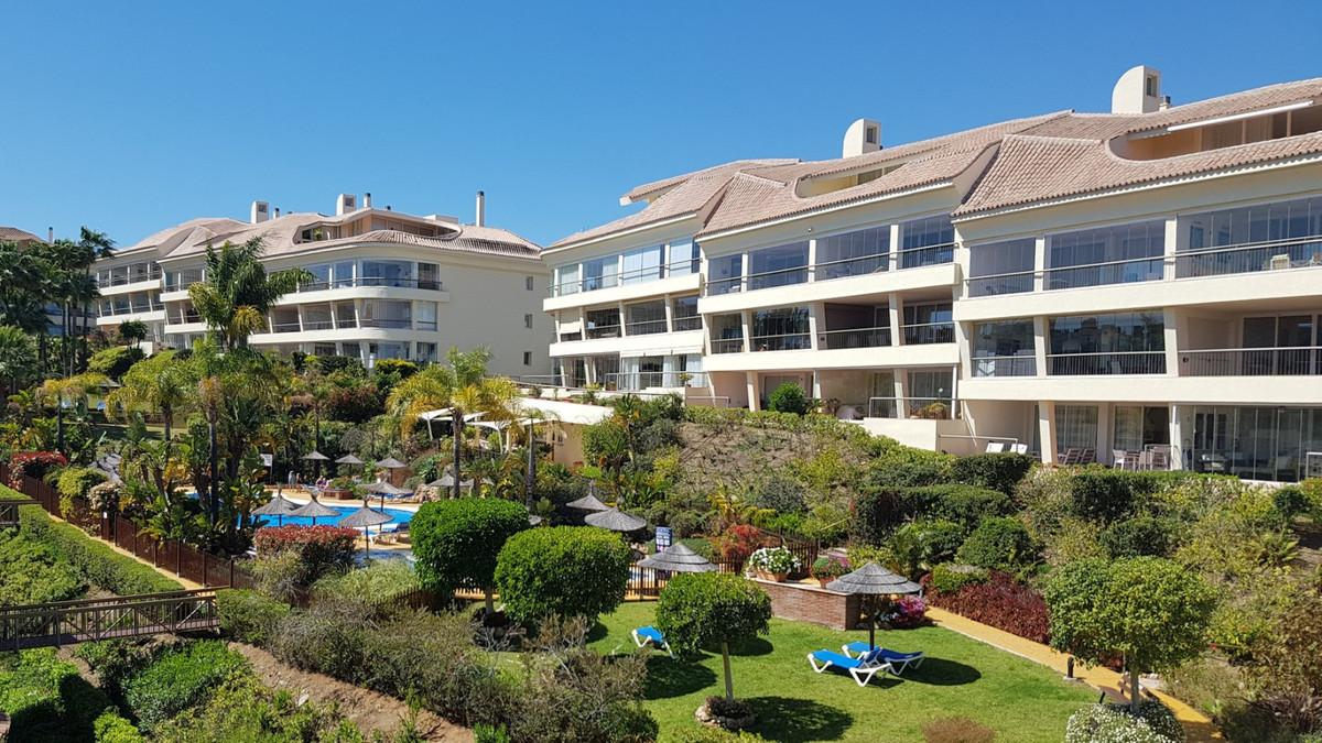2 Bedroom Middle Floor Apartment For Sale Miraflores, Costa del Sol - HP3394012
