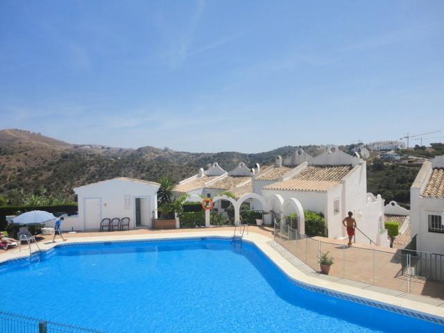 2 Bedroom Townhouse For Sale Marbella, Costa del Sol - HP3040442