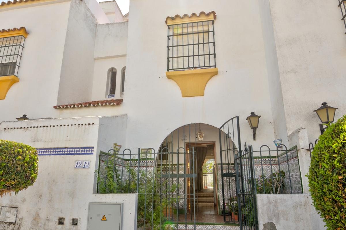 Rijhuis te koop in Casares Playa R3677279