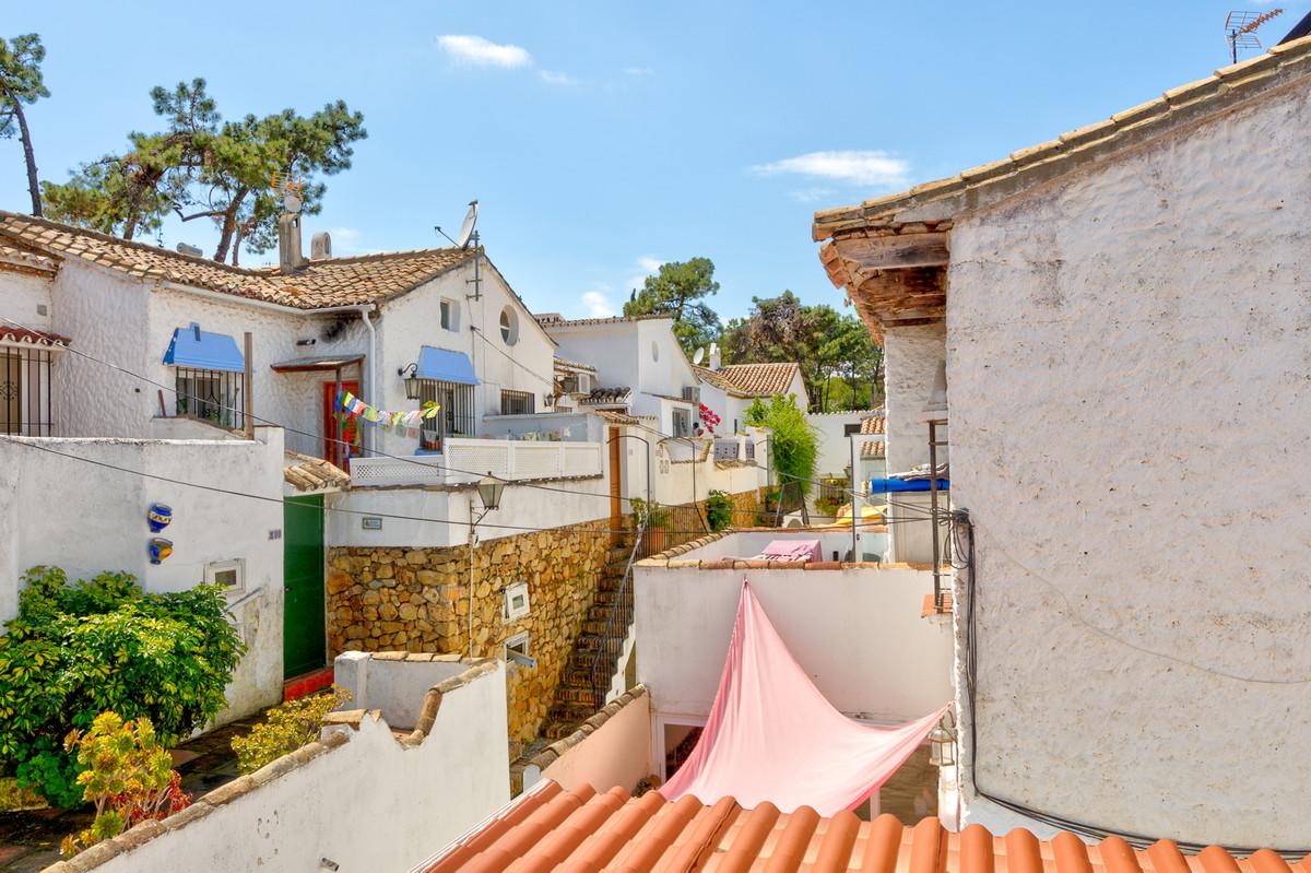 Villa Semi Detached in Las Chapas, Costa del Sol
